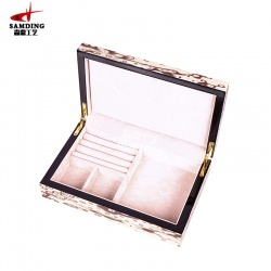 木质珠宝盒