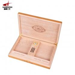 高级雪茄万博体育彩票官方网站收藏盒